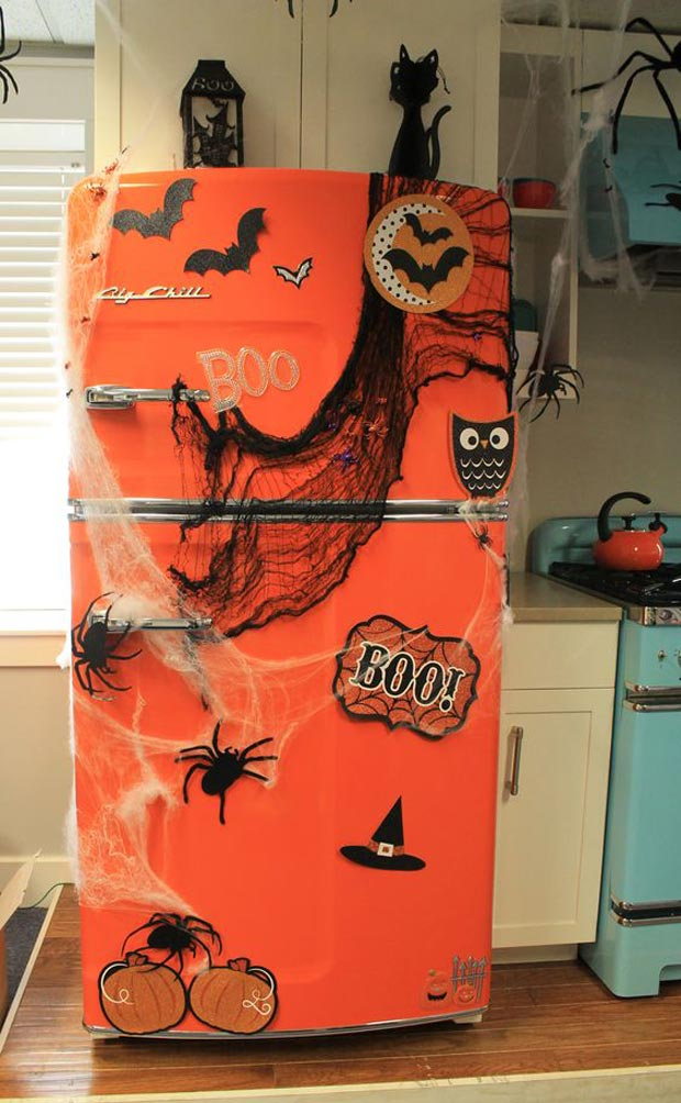 15 Cool Ideas to Decorate a Spooky Halloween Kitchen ...